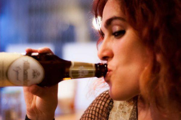 a media cerveza, alcohol, poesía, cronicas de media noche